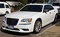 2013 Chrysler 300 (LX MY13) Limited sedan (2018-07-30) 01.jpg