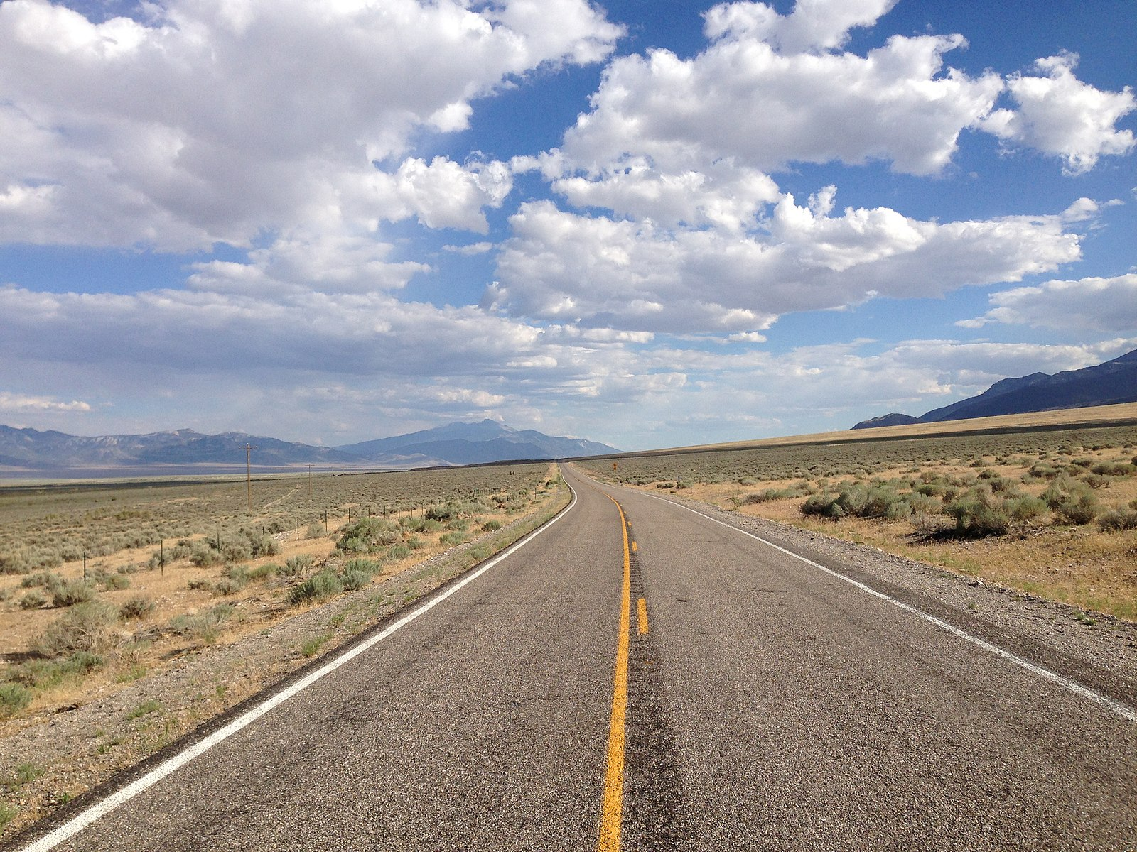 File:2014-08-09 17 04 37 View south along Nevada State ...