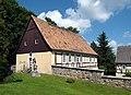 20140531100DR Fördergersdorf (Tharandt) Dorfkirche Pfarrhaus.jpg