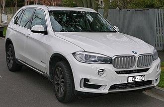 BMW X5 - Image: 2014 BMW X5 (F15) x Drive 30d wagon (2015 06 27) 01