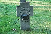 2017-09-28 GuentherZ Wien11 Zentralfriedhof Gruppe97 Soldatenfriedhof Wien (Zweiter Weltkrieg) (045).jpg