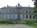 2018-06 Seiffen (Oberseiffenbach)-Mühlbergweg 7, Schulgebäude von 1878 mit Dachreiter für Schulglocke.jpg