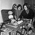 26.10.64 Françoise Borie à son retour de Tokyo (1964) - 53Fi681.jpg
