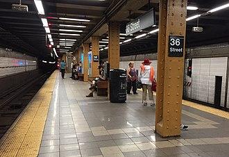 36th Street (BMT Fourth Avenue Line) - Uptown platform