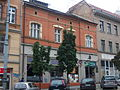 A109, Poznań, kamienica przy ul. Podgórnej 6 (3). Ysbail.jpg