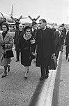 Aankomst en vertrek, katholicisme, bisschoppen, vliegvelden, persconferenties, B, Bestanddeelnr 919-7067.jpg