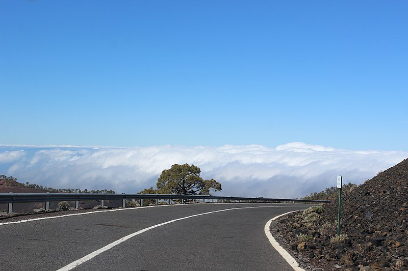 File:Above the clouds - panoramio (2).jpg