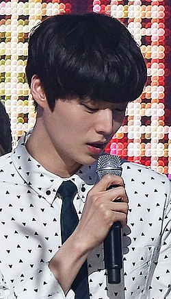 Ahn Jae-hyun on M! Countdown.jpg