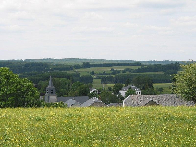 Anlier (Belgique), le village au printemps.
