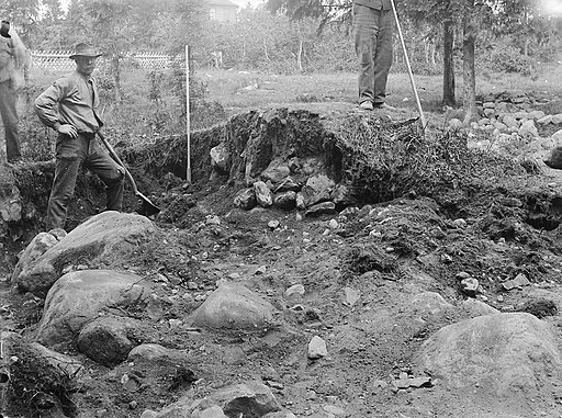 Archaeological excavation in Härnösand, Ångermanland, 1908