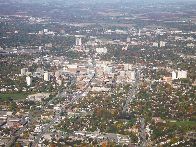 Mynd:Arial photo of downtown Kitchener Ontario.JPG