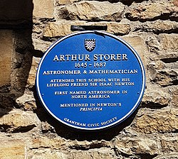 Photo of Arthur Storer and Isaac Newton blue plaque