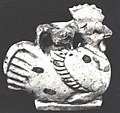Aryballos in the form of a cock MET 17.194.2456.jpg