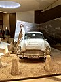 Aston Martin DB5, James Bond 02.jpg