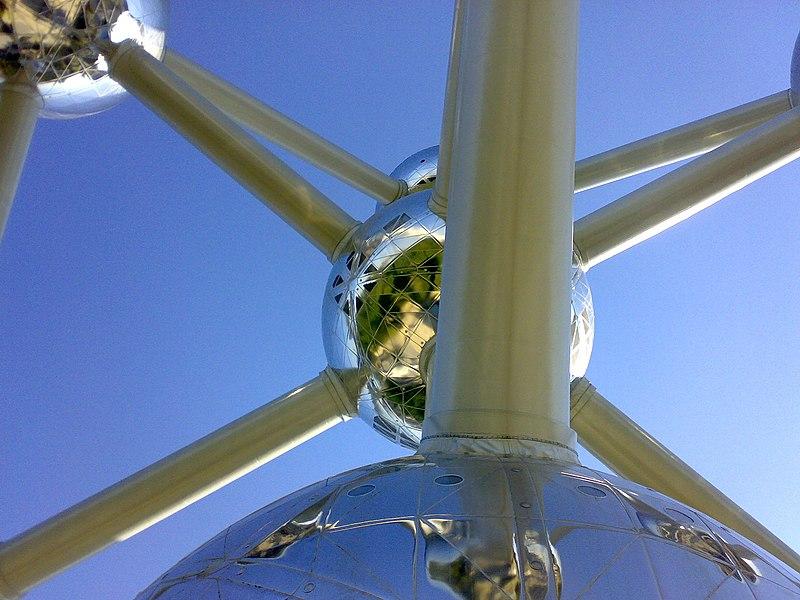 File:Atomium - panoramio - Hosein(hpjoojoo).jpg