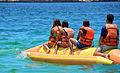 Bañistas en una Banana Playa Blanca Mochima.jpg
