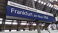 Bahnhofsschild Frankfurt Hbf 160331.jpg