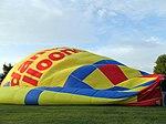 Balloon Inflating 3 (16365871421).jpg