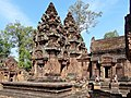 Banteay Srei 43a.jpg