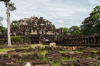 Baphuon - Image: Baphuon, Angkor Thom, Camboya, 2013 08 16, DD 08