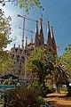 Barcelona - Plaça de Gaudí - View WSW on La Sagrada Família - Nativity façade I.jpg