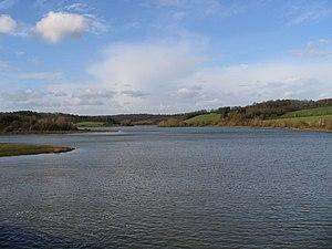Eau d'Heure lakes - Image: Barrages de l'Eau d'Heure; Lac de l'Eau d'heure vu du barrage du Ri Jaune
