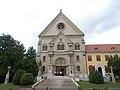 Basilica Minor and crucifixes in Keszthely, 2016 Hungary.jpg