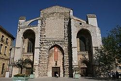 Basilique Sainte-Marie-Madeleine de Saint-Maximin-la-Sainte-Baume portail.JPG