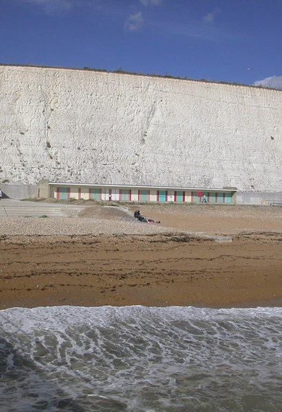 File:Beach Huts, Rottingdean - geograph.org.uk - 227900.jpg