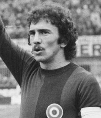 Giuseppe Savoldi - Giuseppe Savoldi playing for Bologna in the 1974-75 season