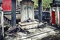 Bia và mộ Nguyễn Huỳnh Đức.jpg