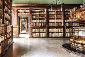 Biblioteca_Gambalunga_(Rimini)-3