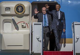 Bill Walker (American politician) - Walker with President Barack Obama in 2015