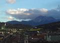 Blick vom Stadtturm Innsbruck nach Sueden.png