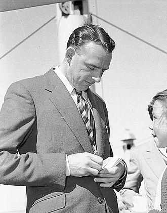 Bob Appleyard - Appleyard signing an autograph in 1954