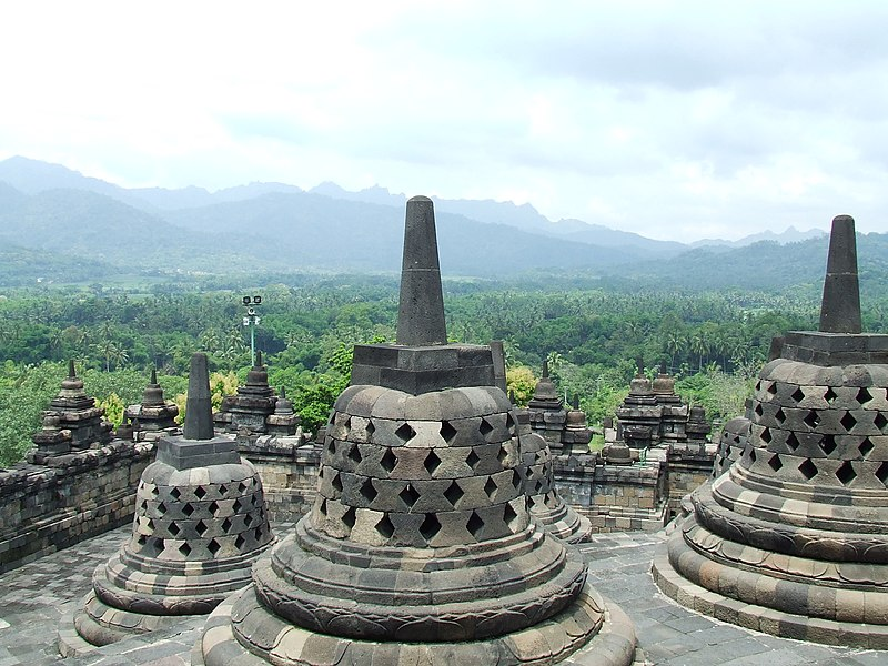 Berkas:Borobudur 2008.JPG