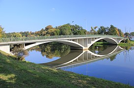 Brücke zwischen Bad Muskau und Poland. IMG 9366WI.jpg