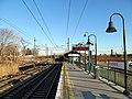 Branford station platform facing east, December 2013.JPG