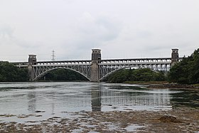 Britannia Bridge - panoramio.jpg