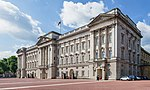 Buckingham Palace from side, London, UK - Diliff.jpg
