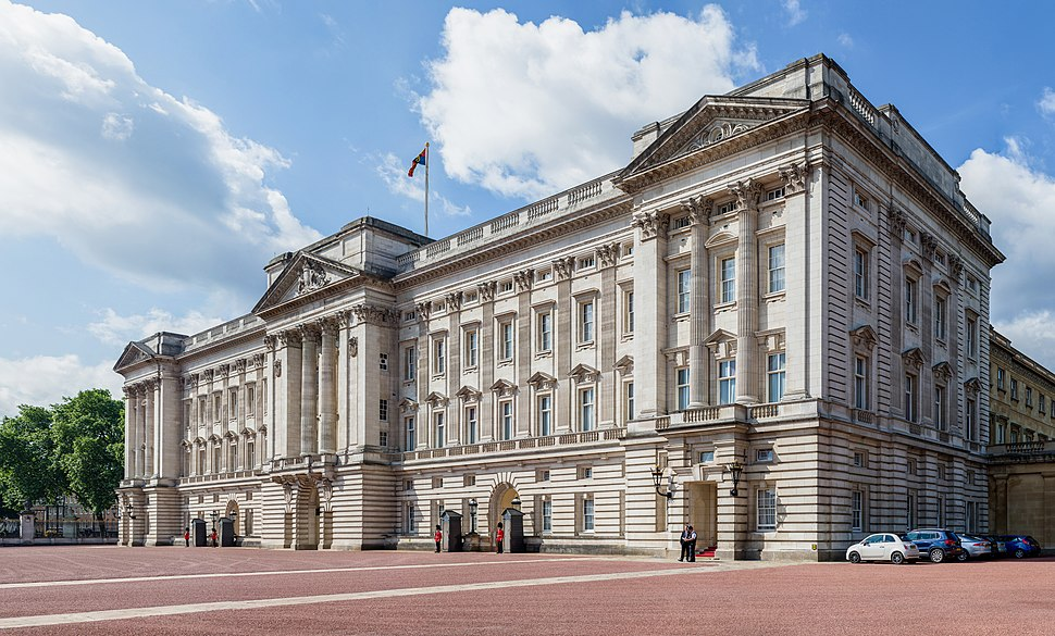 Buckingham Palace from side, London, UK - Diliff