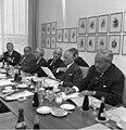 Bundesarchiv B 145 Bild-F023247-0007, Ältestenrat-Sitzung mit Horace King.jpg