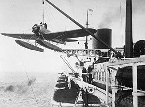 "Bundesarchiv Bild 102-10309, Katapult-Flugzeug des Dampfers ""Europa"".jpg"