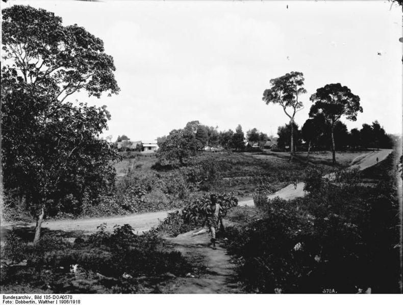 File:Bundesarchiv Bild 105-DOA0570, Deutsch-Ostafrika, Aruscha.jpg