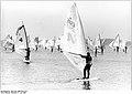 Bundesarchiv Bild 183-1989-0701-014, Schweriner See, Langstreckensurfer.jpg