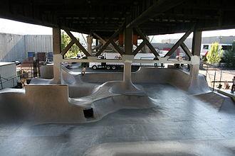 Burnside Bridge - Burnside Skatepark