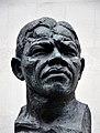 Bust of Nelson Mandela, South Bank, London.jpg