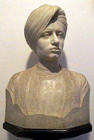 Moti Bagh Palace - Image: Bust of Yadavindra Singh