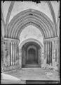 CH-NB - Romainmôtier, Abbatiale, Porche, vue partielle intérieure - Collection Max van Berchem - EAD-7487.tif