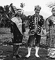 COLLECTIE TROPENMUSEUM Studenten van de Akademi Seni Karawitan Indonesia in traditionele kledij TMnr 20000185.jpg